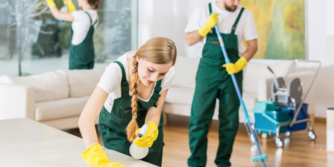 https://www.removals-uk.com/wp-content/uploads/2015/11/cleaning-1080x540.jpg